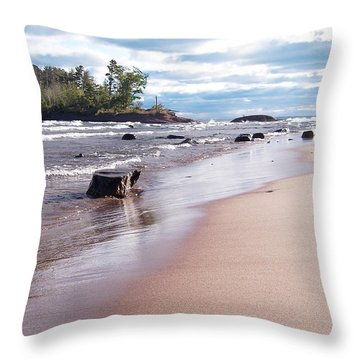 Little Presque Isle Throw Pillow