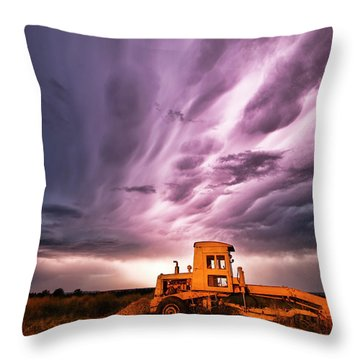 Living Sky In Nebraska Throw Pillow