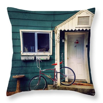 Throw Pillow featuring the photograph Livingston Bicycle by Craig J Satterlee