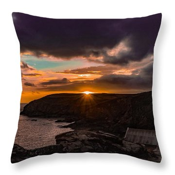 Lizard Point Sunset  Throw Pillow