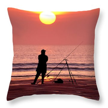 Llangennith Fishing At Sundown Throw Pillow