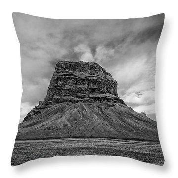 Throw Pillow featuring the photograph Lomagnupur by James Billings