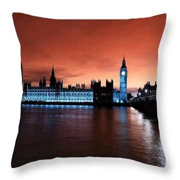 London Red Beauty Throw Pillow