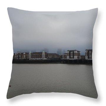 London_2 Throw Pillow