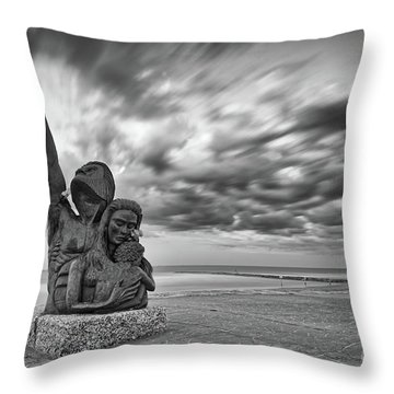 Long Exposure Of The 1900 Hurricane Storm Memorial At The Galveston Seawall - Texas Gulf Coast Throw Pillow