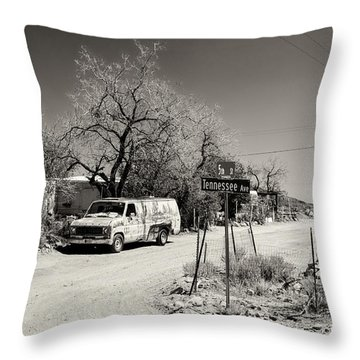 Throw Pillow featuring the photograph Long Way To Tennessee by Juergen Klust