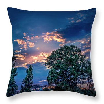 Looking West At Sunset Throw Pillow