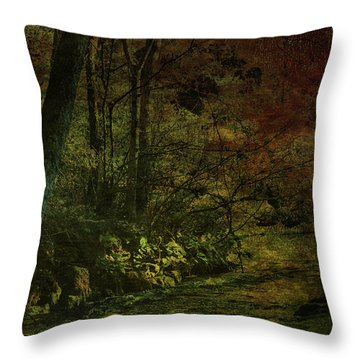 Lost Woods 8140 H_3 Throw Pillow