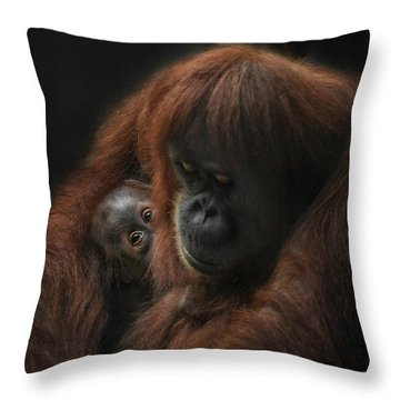 loving her Baby Throw Pillow