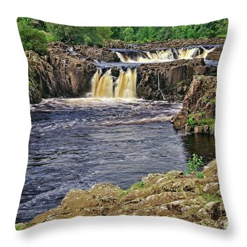 Low Force Waterfall, Teesdale, North Pennines Throw Pillow