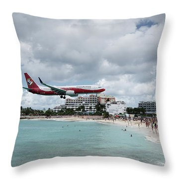 Low Landing At Sonesta Maho Beach Throw Pillow