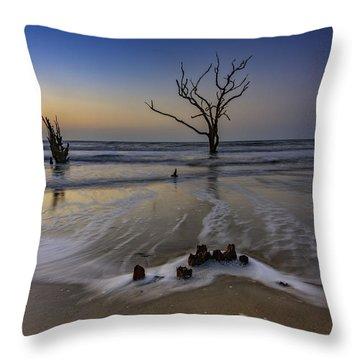 Low Tide At Botany Bay Throw Pillow
