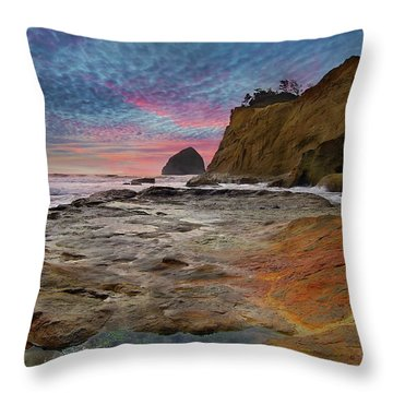Low Tide At Cape Kiwanda Throw Pillow by David Gn