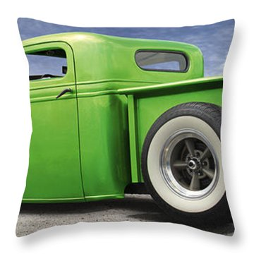 Lowrider At Painted Desert Throw Pillow