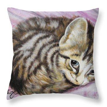 Flygende Lammet       Lucy Girl Throw Pillow