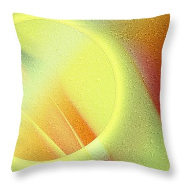 Luna Creciente Throw Pillow