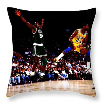 Magic Johnson No Look Pass 7a Throw Pillow by Brian Reaves