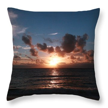 Ma'ili Sunset Throw Pillow
