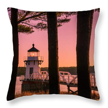 Maine Doubling Point Lighthouse At Sunset Panorama Throw Pillow