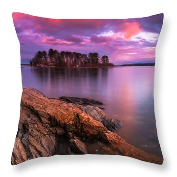 Maine Pound Of Tea Island Sunset At Freeport Throw Pillow by Ranjay Mitra
