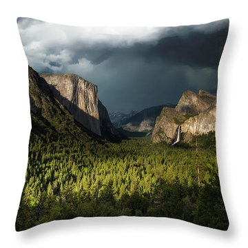Majestic Yosemite National Park Throw Pillow