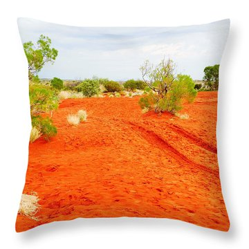 Making Tracks In The Dunes - Red Centre Australia Throw Pillow