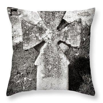 Malta Cross   Throw Pillow