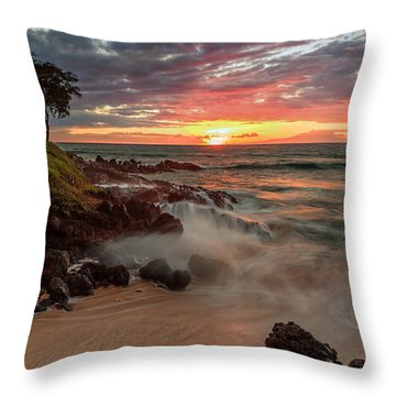 Maluaka Beach Sunset Throw Pillow