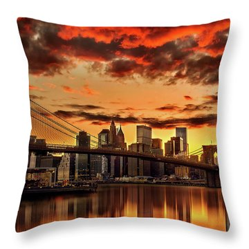 New York Throw Pillows