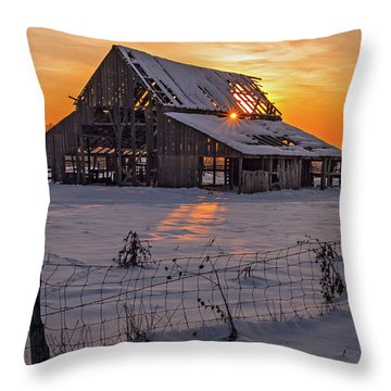 Mapleton Barn Throw Pillow