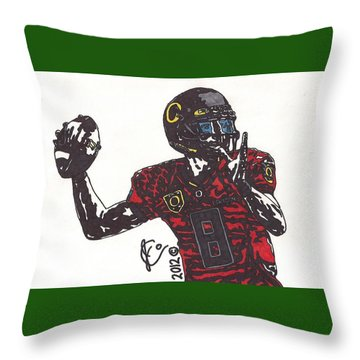 Marcus Mariota 1 Throw Pillow