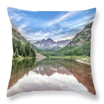 Maroon Bells Near Aspen, Colorado Throw Pillow