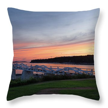Marshall Point Lighthouse, Port Clyde, Maine -87444 Throw Pillow