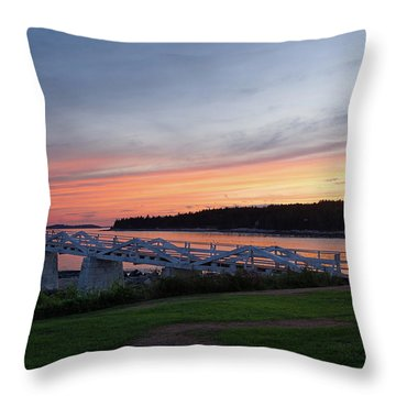 Throw Pillow featuring the photograph Marshall Point Lighthouse, Port Clyde, Maine -87444 by John Bald