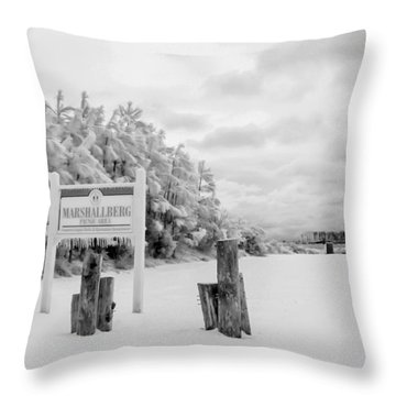 Marshallberg Picnic Throw Pillow