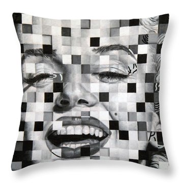 Marylin I Throw Pillow