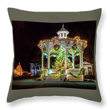Medina, Ohio Christmas On The Square. Throw Pillow
