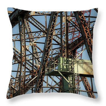 Memorial Bridge Throw Pillow