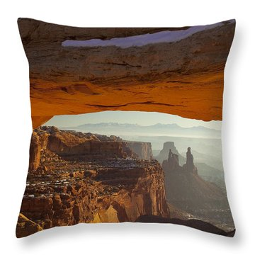 Mesa And Washer Woman Arches Throw Pillow