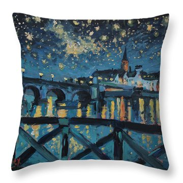 Mestreechter Staarenach Staryy Night Maastricht Throw Pillow