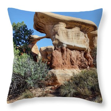 Throw Pillow featuring the photograph Metate Arch - Devils Garden by Nikolyn McDonald