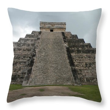 Throw Pillow featuring the photograph Mexico Chichen Itza by Dianne Levy