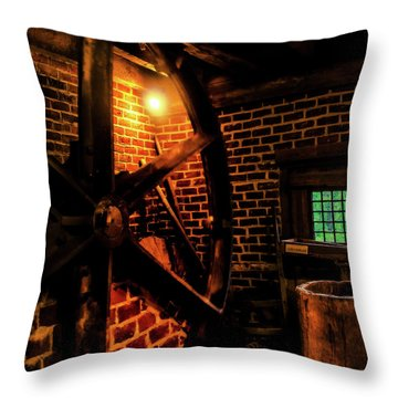 Michie Tavern No. 4 Throw Pillow by Laura DAddona