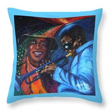 Blaa Kattproduksjoner            Miles Davis - Smiling Throw Pillow