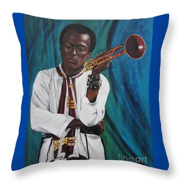 Blaa Kattproduksjoner     Miles-in A Really Cool White Shirt Throw Pillow