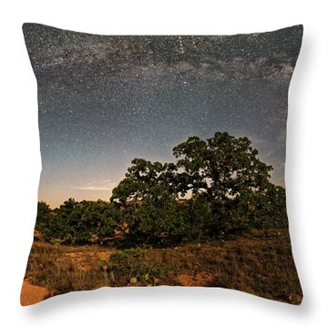 Milky Way Arch Over Enchanted Rock State Natural Area - Fredericksburg Texas Hill Country Throw Pillow
