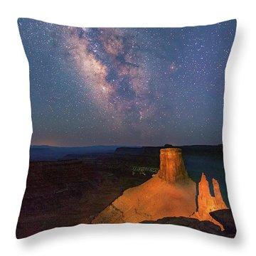 Milky Way At Marlboro Point Throw Pillow