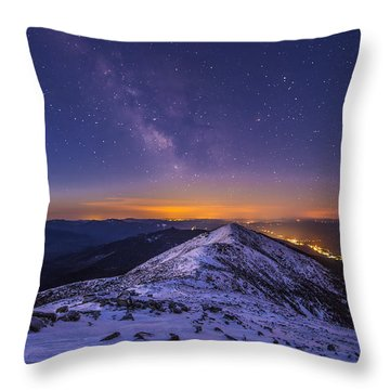 Milky Way Over Franconia Ridge Throw Pillow