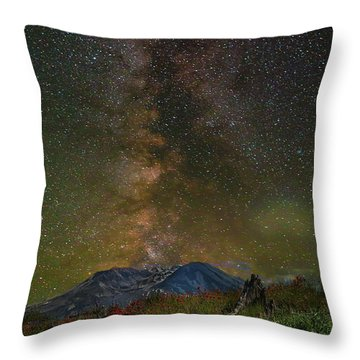Milky Way Over Mount St Helens Throw Pillow