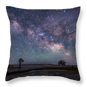 Milky Way Over The Prairie Throw Pillow